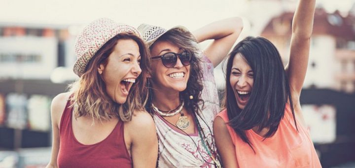 girls-gang-summer-vacation